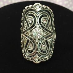 Beautiful Vintage Ring! Gorgeous vintage ring. Eye catching elegance & sparkle. Great for all occasions.  Bundle items and save with my discount! Jewelry Rings