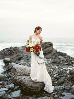 coastal bride wedding editorial - photo by Apryl Ann Photography http://ruffledblog.com/coastal-bride-wedding-editorial