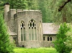 Bend Castle at Wyntoon on the McCloud River in Northern California