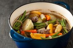 Bouilli traditionnel | Recettes | Signé M Vegetable Recipes, Beef Recipes, Recipies, Healthy Recipes, Canadian Food, Canadian Recipes, Beef Steak, Pot Roast, Coco