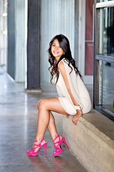 Sexy legs in pink platform high heels Beautiful Legs, Gorgeous Women, Sexy Outfits, Sexy Dresses, Fall Outfits, Tumbrl Girls, Girl Senior Pictures, Senior Portraits Girl, Sexy Legs And Heels