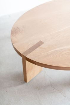 Croft House is a Los Angeles manufacturer and retailer of handmade home furniture and commercial fixtures. Using sustainable materials to create modern designs. Plywood Furniture, Plywood Table, Design Furniture, Plywood Floors, Kid Furniture, Modern Furniture, Oak Coffee Table, Oak Table, Round Coffee Table Diy