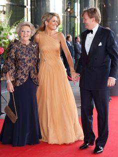 vestidos reina beatriz holanda - perfecto corte para mi mami