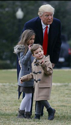 President Donald Trump spent some time with his grandchildren Arabella and Joseph today before boarding Marine One on his way to North Charleston, South Carolina. Trump Is My President, John Trump, Vice President, Greatest Presidents, American Presidents, Ivanka Trump, Donald Trump Family, Donald And Melania, Trump Train