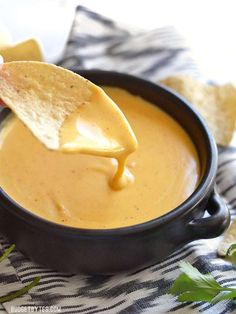 I often eat nachos and cheese multiple times a day. I sometimes take it to work for lunch and eat it again for dinner. I love nachos! Dip Recipes, Sauce Recipes, Mexican Food Recipes, Appetizer Recipes, Cooking Recipes, Nacho Cheese Crockpot, Home Made Nacho Cheese, Easy Nacho Cheese Recipe, Homemade Nacho Cheese Sauce