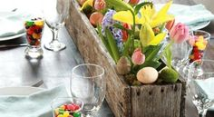 Let's celebrate Easter! Try these cool Easter egg decorating ideas. Get inspired by Spring wreaths and arrangements with candy. Easter Flower Arrangements, Easter Flowers, Easter Colors, Diy Easter Decorations, Decoration Table, Room Decorations, Easter Centerpiece, Christmas Decorations, Pinterest Easter Ideas