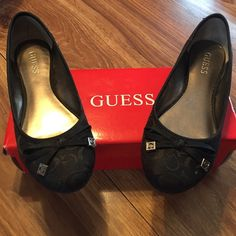 guess slip on  shoes Excellent condition comes with box guess slip on shoe size 8 Guess Shoes