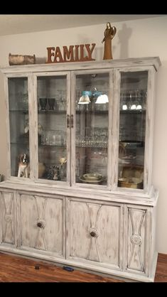 Chalk paint. Aged grey. Easy! Easy!