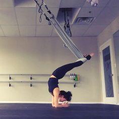 Aerial Yoga, scorpion