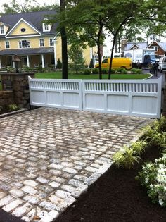 Driveway Gate: Paneled Bottom, Open Pickets at Top | Westchester Automated Gate