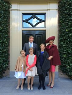 Kingsday 27-04-2015. King Willem Alexander, queen Maxima and the Princesses Amalia, Alexia and Ariana.