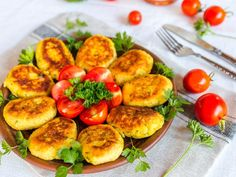 Ruskie kotlety: przepis na pyszne i niedrogie danie obiadowe Polish Recipes, Stuffed Peppers, Vegetables, Finger Food, Veggies, Vegetable Recipes, Stuffed Pepper