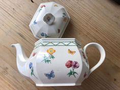 a Fine Porcelain, Tea Pots, Tableware, Dinnerware, Tablewares, Tea Pot, Dishes, Place Settings, Tea Kettles