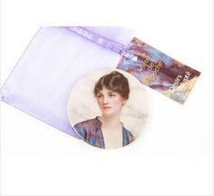 Produit découvert grâce à www.shopatthemuseum.fr : Miroir de poche Valeria