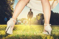Bride vs groom  by B-roll Studio  #bride #groom #love #wedding #weareinpuglia #weddingphotographer #weddingphoto #brollstudio #funnyphoto