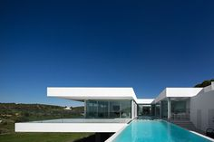 Villa-Escarpa-By-Mario-Martins-Atelier-KNSTRCT-4.jpg