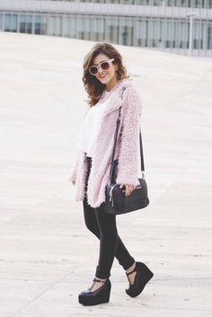 Ballerina Bird: Womens Designer Round Oversize Retro Fashion Sunglasses 8623
