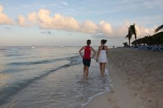 MorningbBeach walking Cozumel