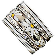 Lovely Daisy Ring in 18K Gold by Hidalgo