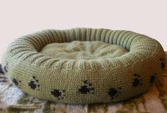 Plush Dog or Cat Bed Knitting Pattern from my Craftsy blog post 11 Knitting Patterns for Dogs