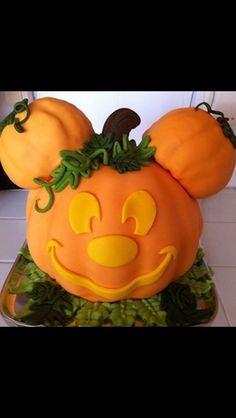 Birthday cake.Halloween.Mickey Mouse. Geburtstagstorte. Halloween. Micky Maus