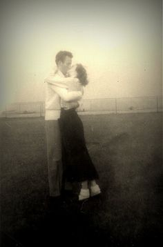 young romance by judecat. Vintage Kiss, Vintage Couples, Vintage Romance, Vintage Love, Vintage Style, Vintage Pictures, Old Pictures, Old Photos, This Is Love