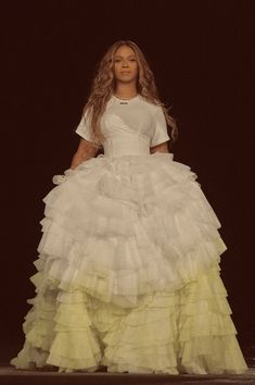 Estilo Beyonce, Beyonce Style, Beyonce Knowles Carter, Beyonce And Jay Z, Beyonce Coachella, Queen B, Female Singers, Mannequin, Timeless Fashion