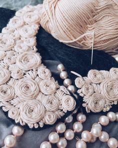 Дамы, кто-нибудь работает с фетром? Подскажите, каким клеем лучше всего можно склеить между собой кусочки фетра? #handembroidery #handmade #embroideryroses #embroidery #handstitch #felt #hobby #хэндмэйд #хобби #вышивкагладью #вышивка #вышитыерозы