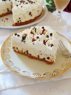 La Cheesecake al Baileys è un dessert al cucchiaio goloso e raffinato , perfettto per concludere un pranzo o una cena . La Cheesecake al Baileys oltre ad essere deliziosa non necessita di cottura ideale per le giornate calde quando non si ha voglia di accendere il forno senza rinunciare ad un goloso dessert.