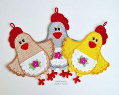 067 Lady Chicken decor or potholder  Amigurumi Crochet