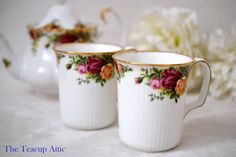 Set of 2 Royal Albert Old Country Roses Ribbed by TheTeacupAttic