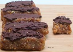 Quinoa Protein Bars *quinoa, dates, almonds, natural crunchy peanut butter / almond butter / or SunButter, (dk chocolate, honey