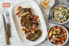Côtelettes de Porc, Riz aux Légumes d'Été Salade de Pêches et Tomates Heirloom Ethnic Recipes, Food, Pork Chops, Tomatoes, Kitchens, Essen, Meals, Yemek, Eten