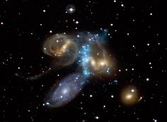 Multi-Galaxy Collision Caught in Action | Wired Science | Wired.com http://www.wired.com/wiredscience/2009/07/galaxycollision/  4つの銀河が衝突する「ステファンの五つ子」(画像) http://wired.jp/wv/2009/08/06/4%e3%81%a4%e3%81%ae%e9%8a%80%e6%b2%b3%e3%81%8c%e8%a1%9d%e7%aa%81%e3%81%99%e3%82%8b%e3%80%8c%e3%82%b9%e3%83%86%e3%83%95%e3%82%a1%e3%83%b3%e3%81%ae%e4%ba%94%e3%81%a4%e5%ad%90%e3%80%8d%e7%94%bb%e5%83%8f/ via @wired_jp
