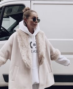 Image about fashion in Coat Check by blondechanel Chic Outfits, Trendy Outfits, Fashion Outfits, Womens Fashion, Fashion Trends, Girl Fashion, Looks Street Style, Mode Streetwear, Fashion Lookbook