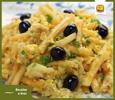Esta semana os proponemos esta riquísima receta lusa de Bacalao dorado o Bacalhau à Brás, como lo llaman nuestros vecinos portugueses. Su nombre viene por el color amarillo intenso que proporcionan el huevo y la patata frita. #Jolca #AceitunasNegras #RecetasDelMundo
