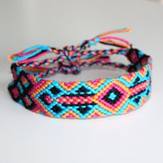 Pick your color City Lights friendship bracelet by TheCatParadox, €8.00