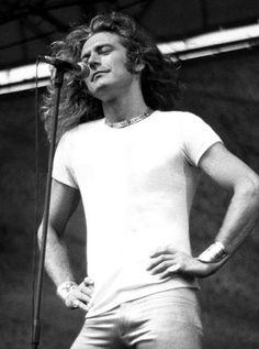 Robert Plant of Led Zeppelin Robert Plant Led Zeppelin, Music Love, Rock Music, Great Bands, Cool Bands, El Rock And Roll, John Paul Jones, John Bonham, New Wave