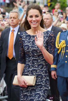 La Duquesa Catalina de Cambridge saludando en Canadá
