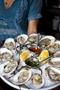 Blame Helena Books and Media: The Right Way to Eat a Raw Oyster | Vanity Fair. http://blamehelenabooks.blogspot.com