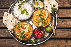 Dýňové kari s červenou čočkou Home Food, Fresh Rolls, Vegetarian Recipes, Curry, Vegan, Cooking, Ethnic Recipes, Nebo, Cholesterol