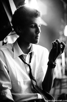 Stromae Photos of Music Is Life, My Music, Beautiful Men, Beautiful People, Idol, Pose, Music Icon, Look At You, Celebs