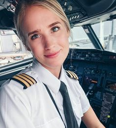 In June and I packed our bags and flew to Miami together for one of the biggest opportunities we have gotten so far,… Airline Attendant, Flight Attendant Life, Pilot Uniform, Becoming A Pilot, Female Pilot, Jobs For Women, Aviators Women, Shot Hair Styles, Posing Guide