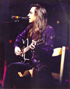 EXTREME-1-Nuno-Bettencourt-Live-Rock-Concert-Photo Nuno Bettencourt, Rock Concert, Long Locks, Singer, Long Hair Styles, Celebrities, Instagram Posts, Live Rock, Ink