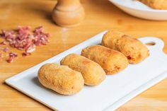 Make these delicious Spanish ham croquettes (Croquetas de Jamon) for your next tapas party! This easy and delicious recipe is perfect anytime. Spanish Dishes, Spanish Food, Spanish Recipes, Cuban Dishes, Spanish Cuisine, Portuguese Recipes, Spanish Meals, Tapas Recipes, Cooking Recipes