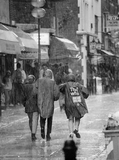 Mods in the rain.(Photo by Checco Garbari)