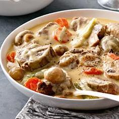 The Big Diabetes Lie- Recipes-Diet - Blanquette de veau à lancienne (mijoteuse) - Doctors at the International Council for Truth in Medicine are revealing the truth about diabetes that has been suppressed for over 21 years. Veal Recipes, Crockpot Recipes, Cooking Recipes, Traditional French Recipes, Fast Food, Cooking Time, Food Inspiration, Love Food, Food Porn