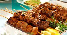 Spett med fläskytterfilé i rosépepparmarinad Pork Recipes, Recipies, Cooking Recipes, Healthy Recipes, Barbecue Grill, Fika, Tandoori Chicken, Summer Recipes, Food Hacks