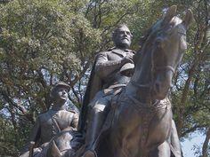 Dallas, Texas - Statue at Robert E. Lee Park vandalized.