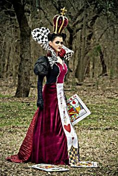 Whether you're attending an Alice in Wonderland-themed event, taking part in a play, or looking for a Halloween costume that will wow everyone who sees it, . Red Queen Costume, Queen Of Hearts Costume, Halloween Cosplay, Cosplay Costumes, Halloween Costumes, Alice Halloween, Tutu Costumes, Fantasy Costumes, Halloween Diy